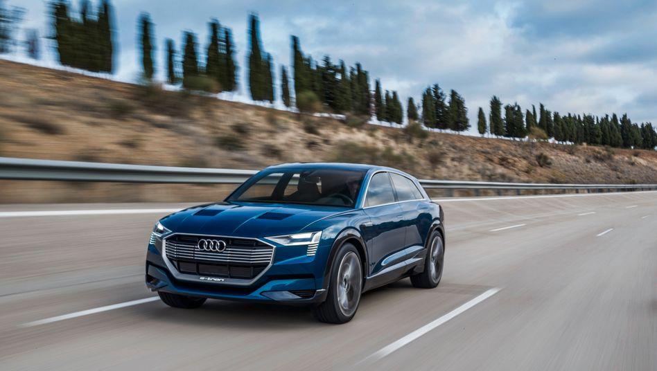 Audi e-tron: Die für Ende August geplante Präsentation des 80.000 Euro teuren Elektro-SUV wird verschoben