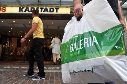 """Mögliche Warenhausfusion: """"Wenn Karstadt erst mal anfängt zu erodieren, können wir keine Wiederbelebungsversuche mehr starten"""""""