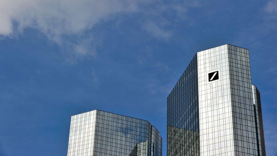 Deutsche-Bank-Zentrale in Frankfurt: 800 Millionen Euro sind dem Institut zu viel