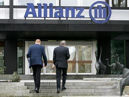 Weiter Konten der Dresdner Bank im Angebot der Vertreter: Allianz-Gebäude in Stuttgart