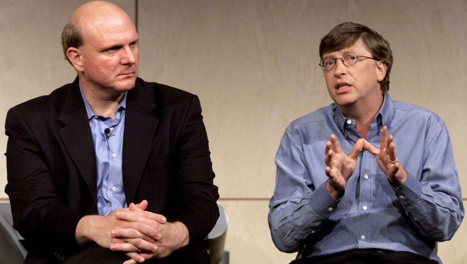 Wie ein altes Ehepaar: Steve Ballmer und Bill Gates zogen schon im Jahr 2000 gemeinsam die Fäden bei Microsoft