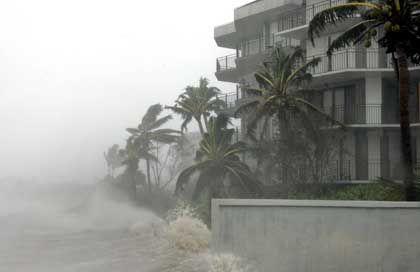 """Hurrikan """"Dennis"""", 12.07.2005: Sachschäden in der ersten Küstenlinie"""