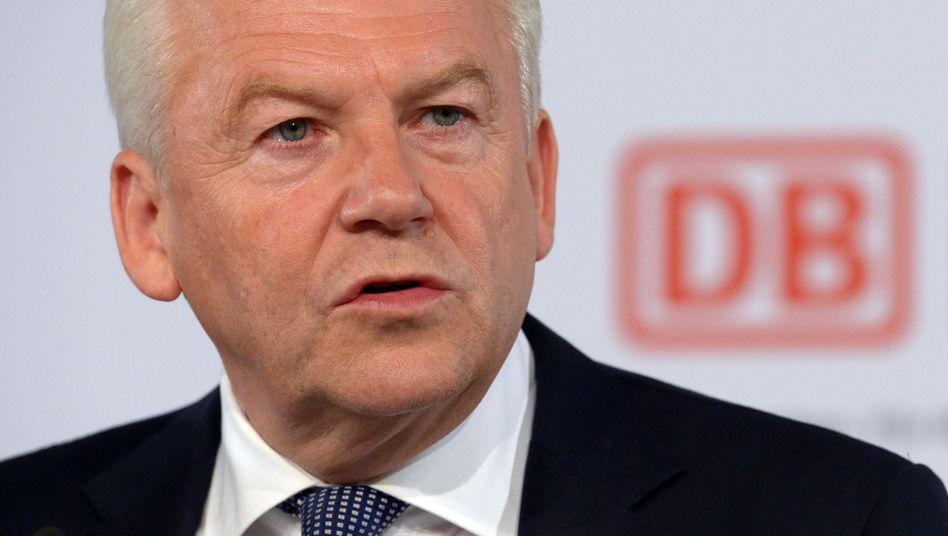 Heikle Mission: Bahn-Chef Grube will trotz der drohenden Eskalation des Konflikts in der Ost-Ukraine einen Milliardenauftrag mit Russland an Land ziehen