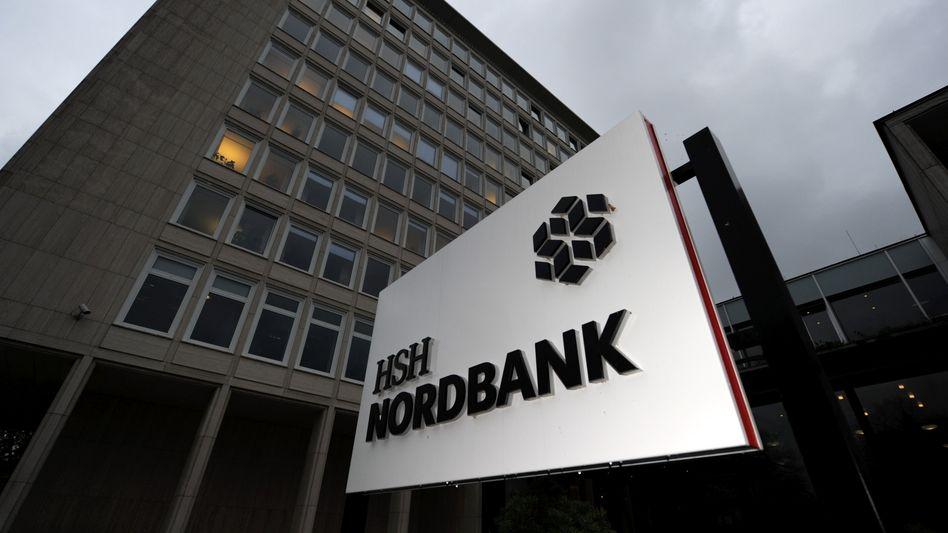 Düsteres Bild: Die HSH Nordbank wird für die Länder Hamburg und Schleswig-Holstein zur Last