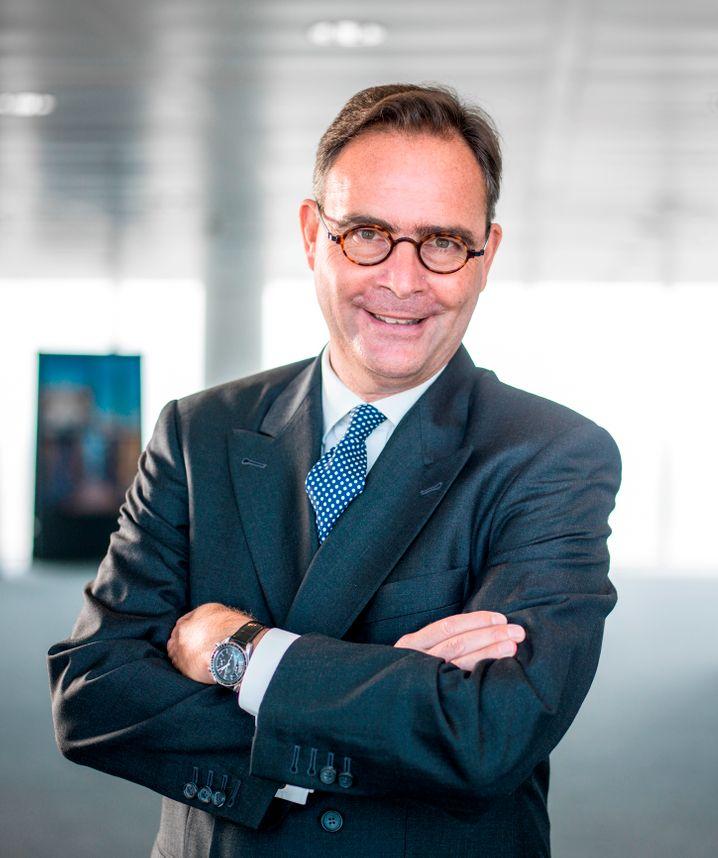 Der Vorstandsvorsitzende der Allianz Deutschland, Klaus-Peter Röhler