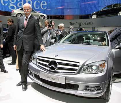 Blecherne Zeit: DaimlerChrysler-Chef Zetsche will gute Autos bauen - und sonst nichts