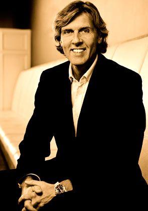 Carsten K. Rath: Der Gründer und CEO von Kameha Hotels & Resorts ging in Bonn unweit des Bonner Bogens zur Schule. Als Manager war er schon für die Robinson Clubs und die ArabellaSheraton Hotelgruppe tätig.