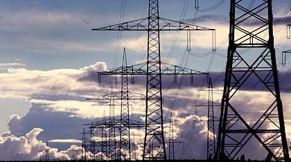Im Visier der Kommunen: Stromnetze, die bisher zum Großteil von Versorgern betrieben werden