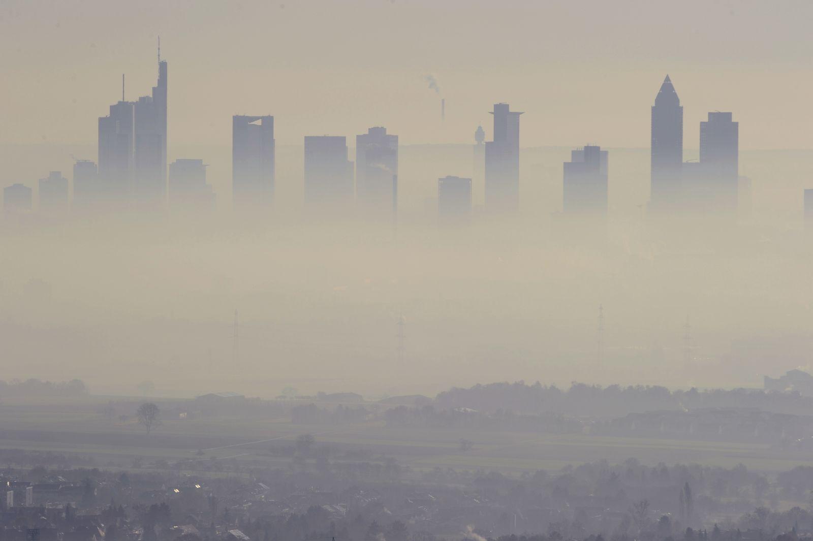 Frankfurt / Smog / Nebel / Dust