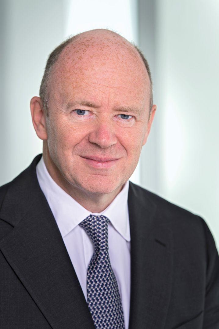 John Cryan: Der Bankchef übernimmt von dem scheidenden Vorstand Stefan Krause die Verantwortung für die Restrukturierungseinheit