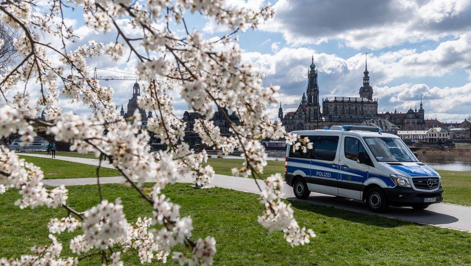 Dresden: Die Polizei kontrolliert deutschlandweit, ob die Ausgangsbeschränkungen eingehalten werden