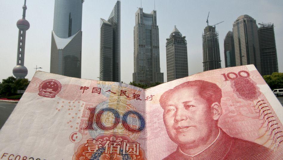 Geld trifft Wachstum: Skylinie in der chinesischen Metropole Shanghai
