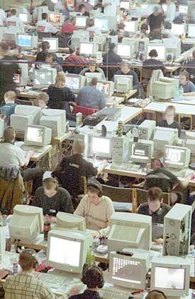 """PCs, so weit das Auge reicht: Mehr als die Hälfte der Deutschen sind """"drin"""""""