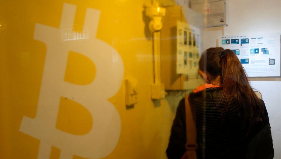 Gefragte Cyberdevise: Das meiste Geld stecken Investoren in Bitcoin. Ethereum landet auf Platz zwei