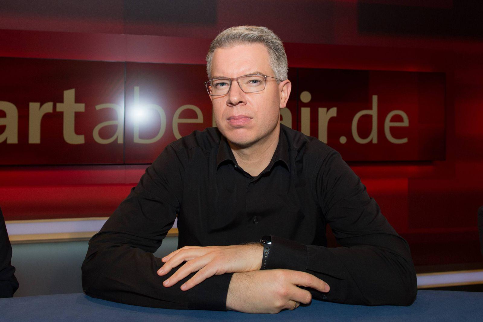 Berlin GER 10 12 2018 Berlin Adlershof hart aber fair mit Frank Plasberg Thema Hier Funkloc