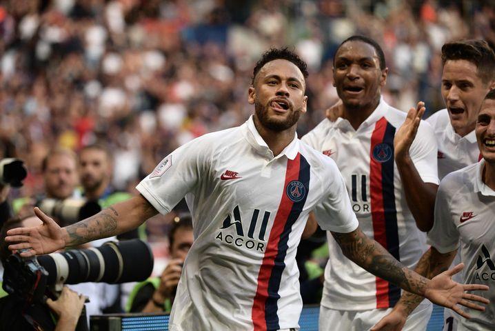 Die Profifußball-Verbände in Frankreich einigten sich auf eine 50-prozentige Kürzung bei Gehältern über 100.000 Euro im Monat