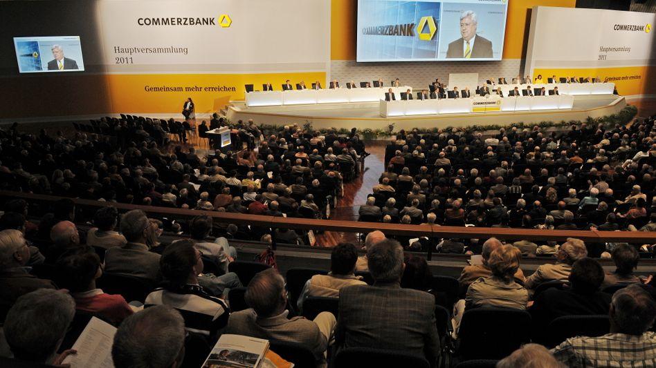 Commerzbank-HV in Frankfurt: Insgesamt 98,9 Prozent der Aktionäre stimmen für die Kapitalerhöhung