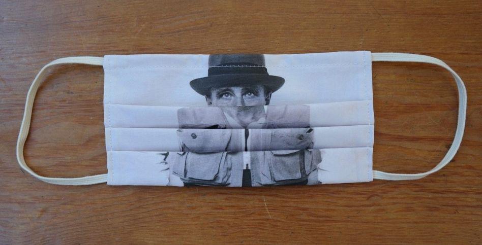 """""""ZEIGE DEINE WUNDE"""" – ein Werkzitat von Joseph Beuys 25 Euro, vandergrintengalerie.com"""