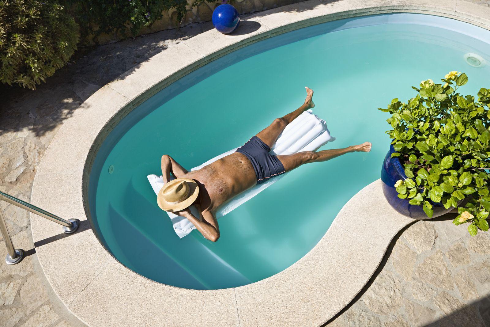 NICHT MEHR VERWENDEN! - Rentner im Pool / Altersvorsorge / Luxus