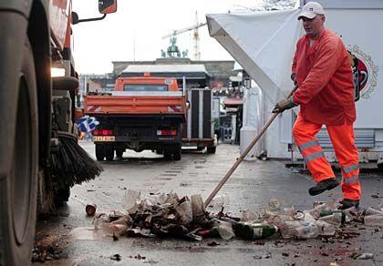 Mindestlohn in der Abfallwirtschaft: Entscheidung vertagt