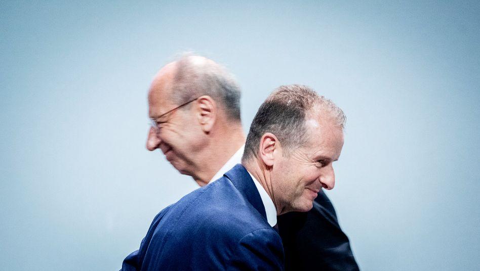 VW-Chef Herbert Diess und AR-Chef Hans Dieter Pötsch: Das Verfahren gegen die beiden VW-Spitzen wegen des Verdachts auf Marktmanipulation wurde eingestellt