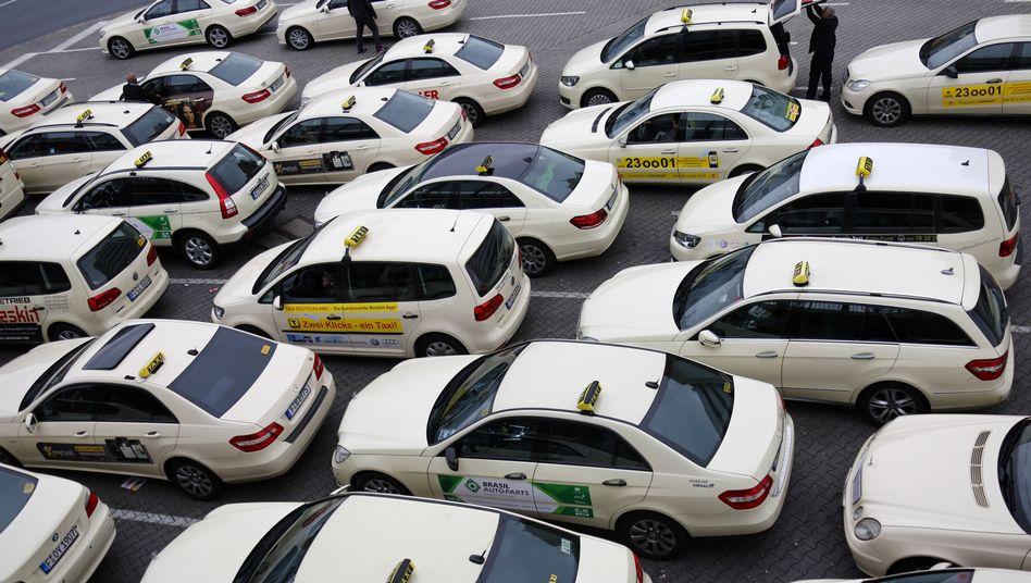 Der Service von Uber ist rechtlich als klassischer Taxi-Dienst einzustufen, urteilen die Richter des Europäischen Gerichtshofs