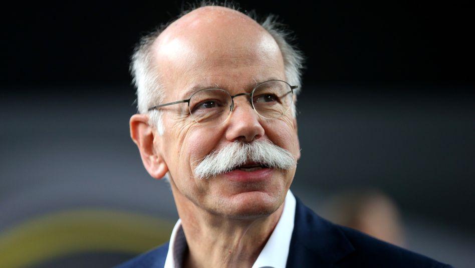 Dieter Zetsche. Der Mercedes-Chef zeigte sich offen für Flüchtlinge - bislang hat sein Konzern aber noch keinen einzigen eingestellt