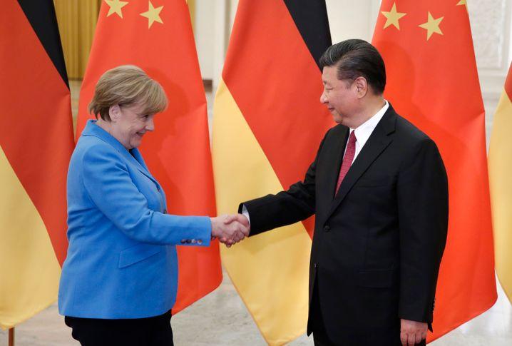 Eigentlich ganz gute Beziehungen: Angela Merkel mit Chinas Staatschef Chef Xi Jinping im Mai 2018 in Peking