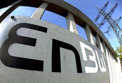 BR-Chef muss gehen: EnBW-Logo an einem Umspannwerk in Karlsruhe
