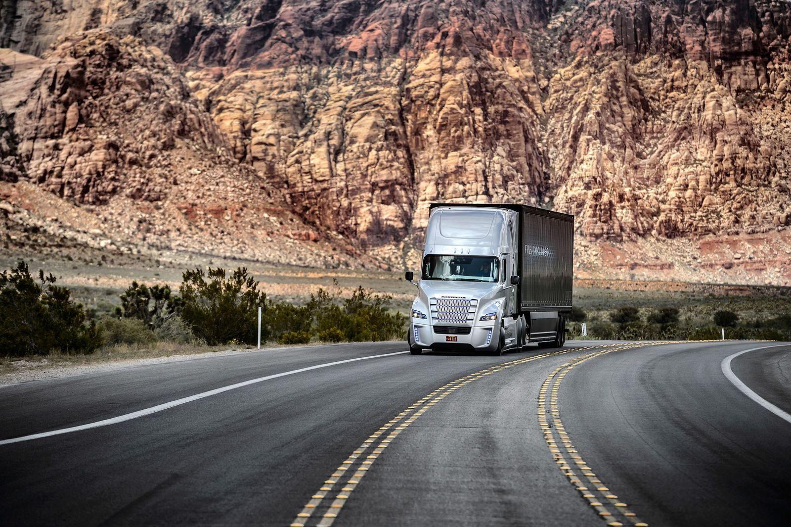 2015 / Freightliner Inspiration Truck