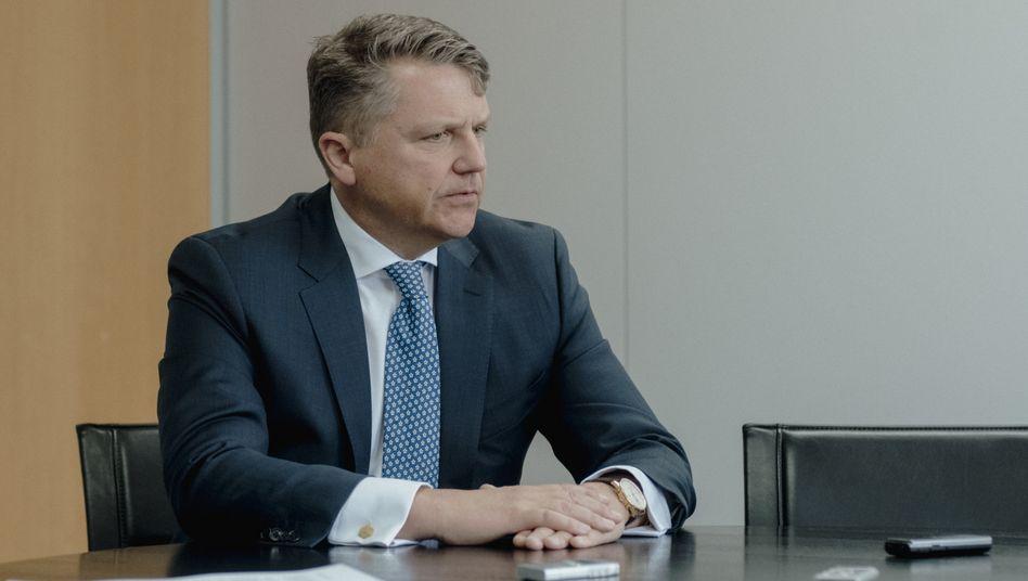 Schwarze Serie: Jede einzelne Enttäuschung, die Stephan Sturm seinen Aktionären zumutete, war vertretbar. Doch in der Summe bleibt der Eindruck, dass er mit seiner Kunstfertigkeit am Ende ist.