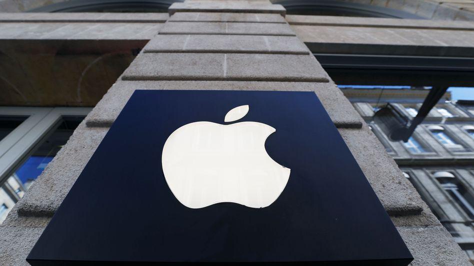 Logo an einem Apple-Store: Der Kauf von Intels Smartphone-Modem-Sparte bringt Apple eine weitere Schlüsseltechnologie ins Haus