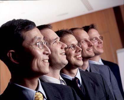 Kritisch: Das Ananlyseteam von Feri Trust(v. l.): Min Sun, Carsten Hermann, Lars Kolbe, Jens Wetter, Peter Ivanfy.