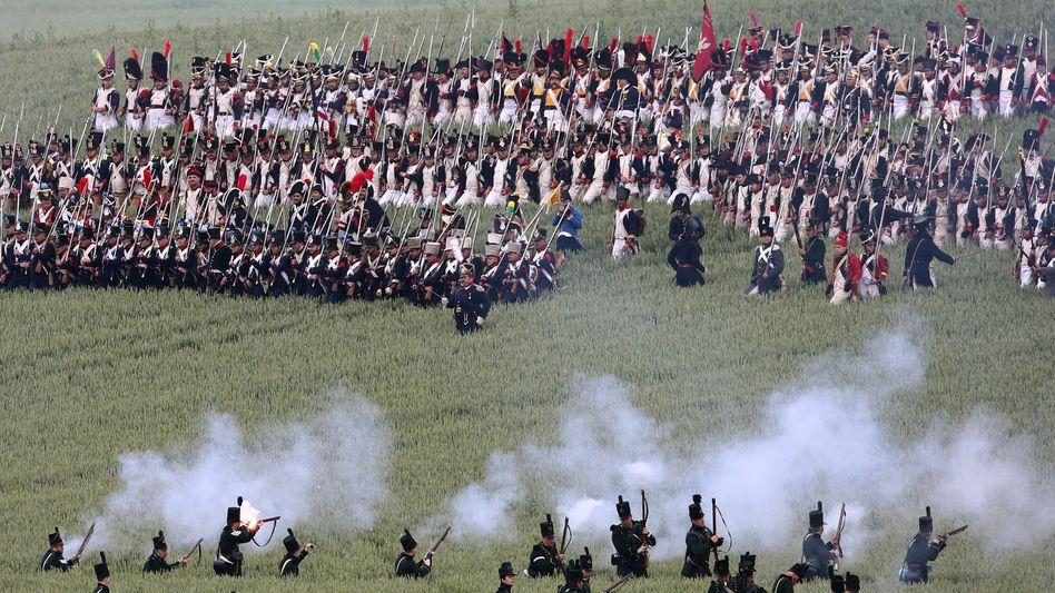 Schön einfach, ganz schön grausam: Nachstellung der Schlacht von Waterloo.