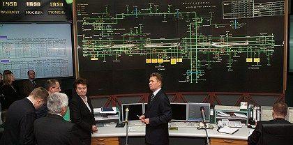 In der Schaltzentrale: Gazprom-Chef Alexey Miller (r.) soll die Gaslieferungen wieder aufnehmen lassen