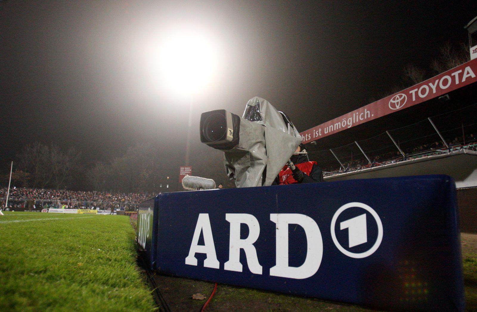 Fußball / Übertragungsrechte