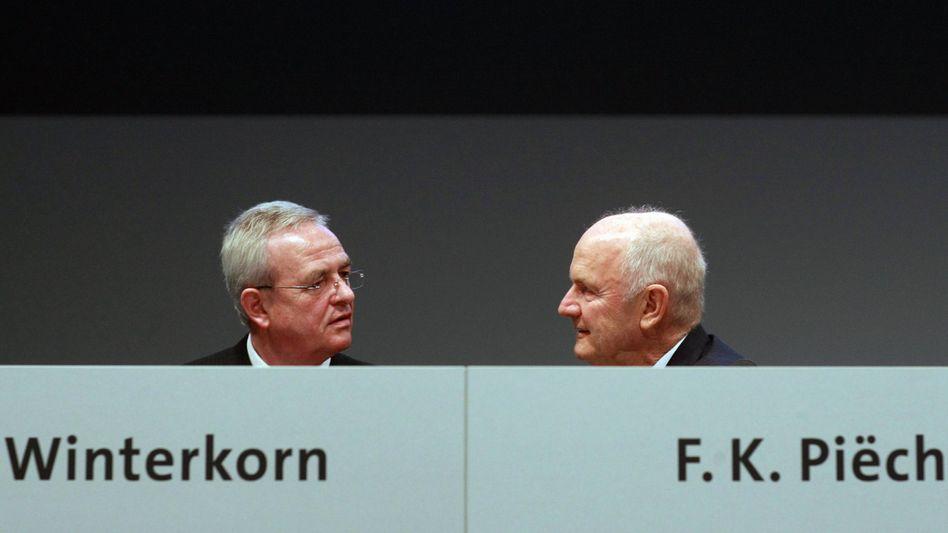 Duo mit Zukunft: Volkswagen-Chef Martin Winterkorn (l.) genießt das Vertrauen des Aufsichtsratsvorsitzenden Ferdinand Piëch