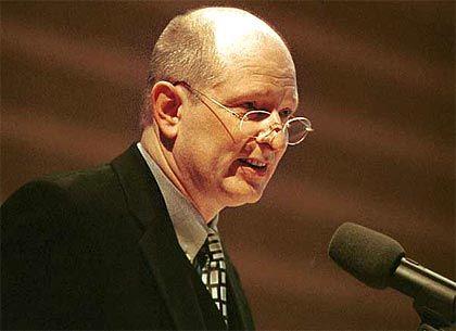 Norbert Copray, Direktor der Fairness-Stiftung, arbeitet mit gemobbten Managern
