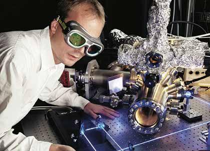 Hightech-Hochburg: Dieser Forscher arbeitet an einem Laser, andere entwickeln Ökotreibhäuser