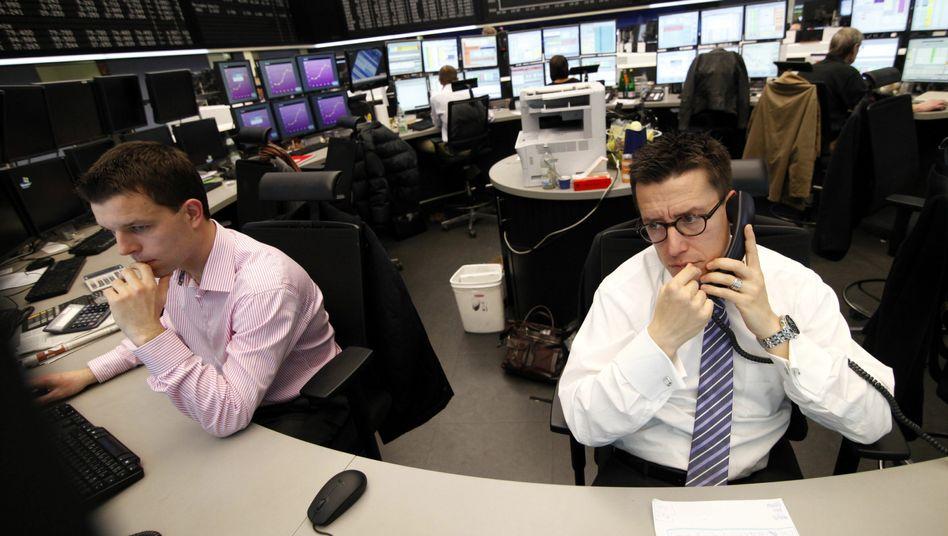 Händler in Frankfurt: Die Stimmung am Aktienmarkt hat sich verschlechtert