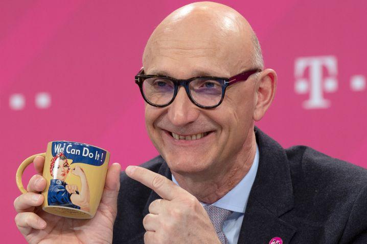 Telekom-Chef Tim Höttges (schon hoffnungsfroh auf der Bilanz-Pressekonferenz im Februar)