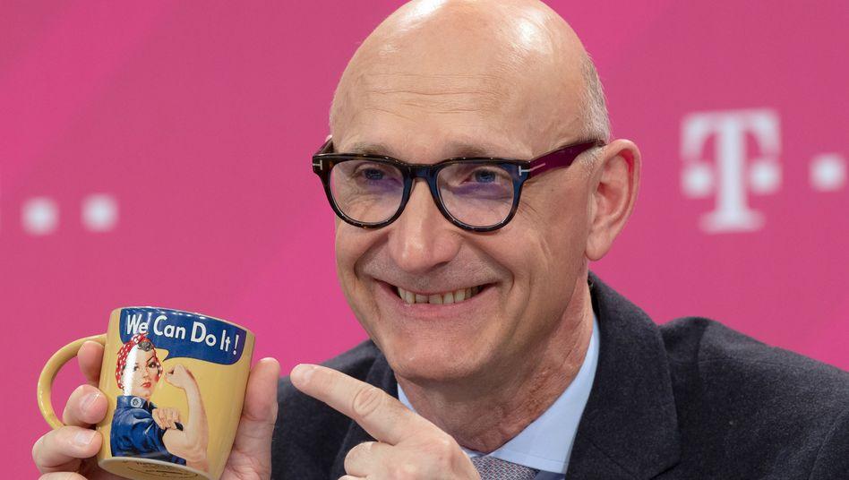 We did it: Telekom-Chef Tim Höttges liefert, die Prognose für das laufende Jahr liegt leicht über den Erwartungen