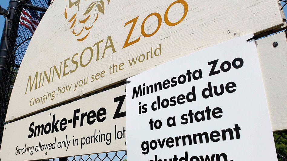 Schild am geschlossenen Minnesota Zoo: US-Bundesstaat ist zahlungsunfähig