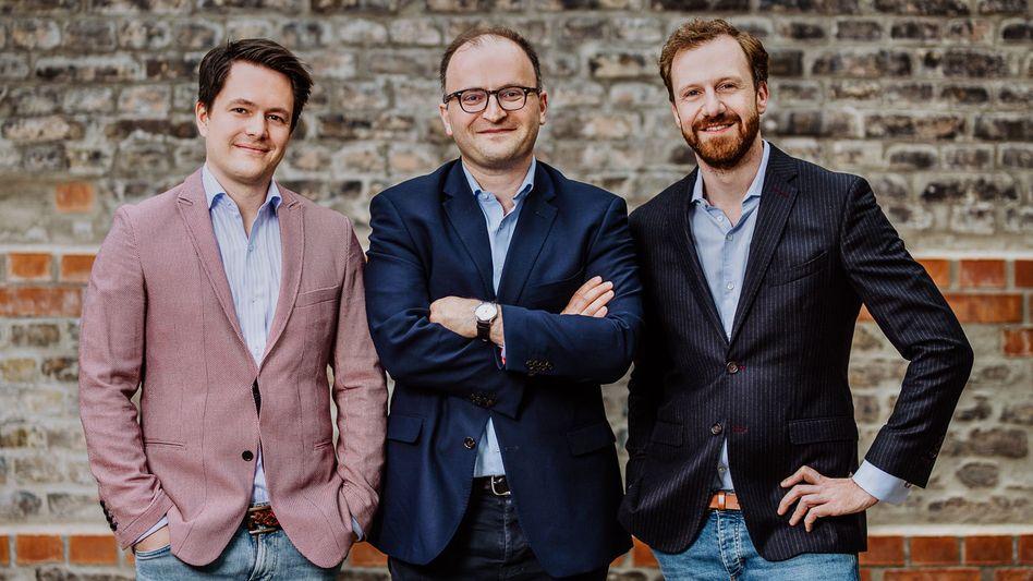 Weltsparen ist ihre Marke: Die Rasin-Gründer Michael Stephan, Tamaz Georgadze und Frank Freund (von links)