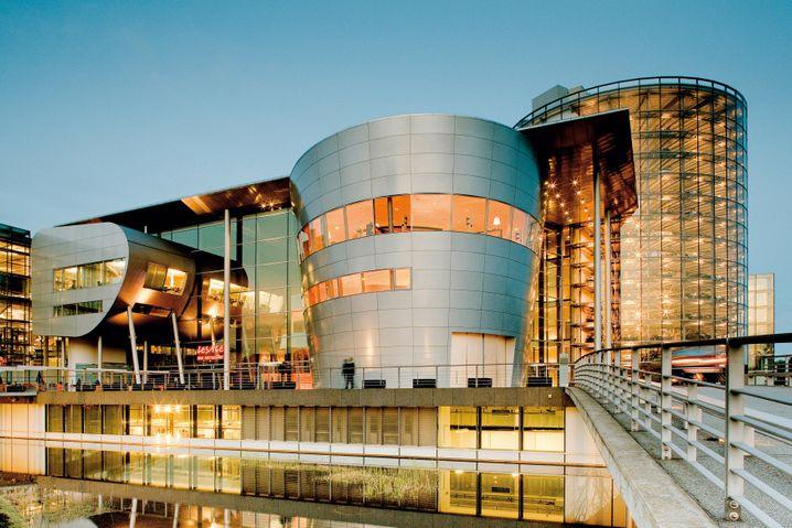 Gläserne Manufaktur in Dresden: Die bisherige Phaeton-Fertigungsstätte sucht eine Anschlussverwendung