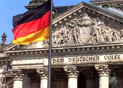 Wohin das Land steuert: Reichstagsfassade in Berlin