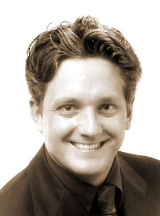 Lutz Thimm ist Leiter des Bereichs High Potentials beim Personalberater Kienbaum Executive Consultants (KEC). Zuvor war der heute 31-Jährige in der Verkaufsleitung des Verlags Studenten-Presse tätig und arbeitete als Referent für Personalfragen, unter anderem für die Studienstiftung des Deutschen Volkes.