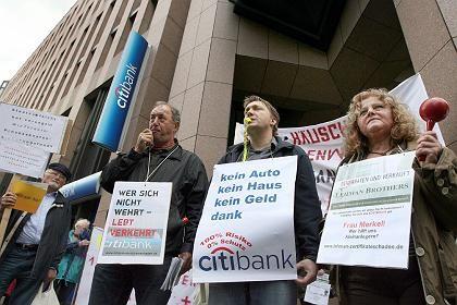 Erst die Anleger, nun die Banken: Die Forderungen gegen die insolvente Bank Lehman Brothers werden größer
