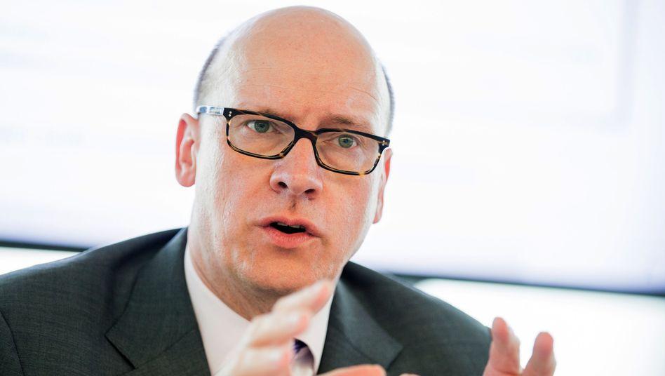 Baut um und um und um: Markus Rieß, Ergo-Chef.