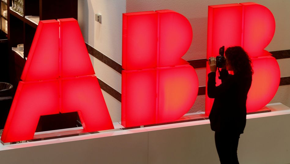 ABB-Logo in Zürich: Bei den Gesprächen mit Hitachi geht es um eine Transaktion im Wert von sieben Milliarden Dollar